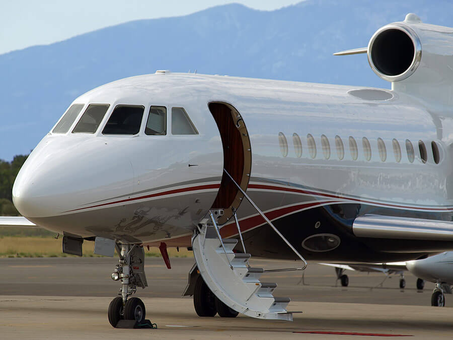 Private Jet-Iquette: 10 Dos and Don'ts of flying